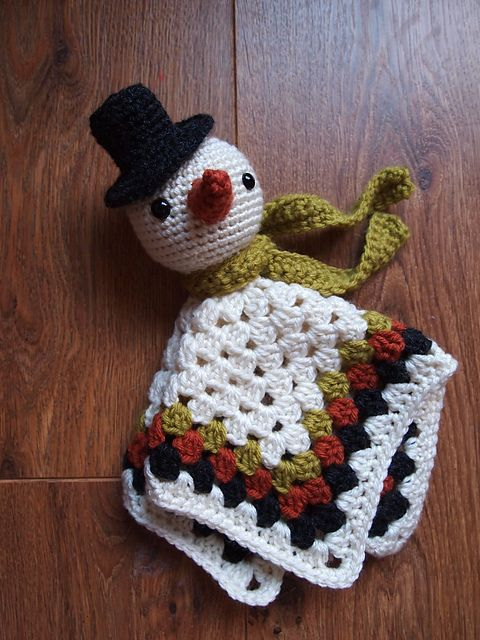 Snowman Security Blanket Lovey pattern by Heather Jarmusz #securityblankets