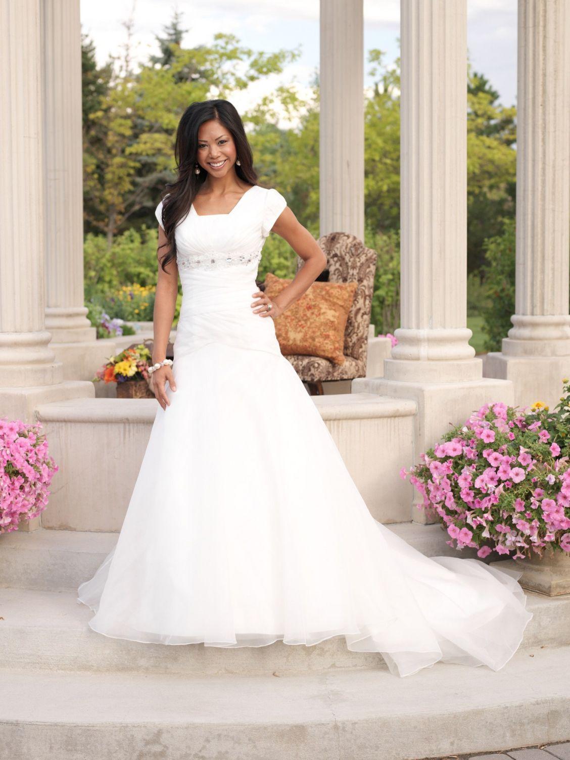 Luxury Wedding Dress Rental Utah Check More At Http Svesty Com Wedding Dress Rental Utah Modest Bridal Dresses Modest Bridal Gowns Modest Wedding Dresses