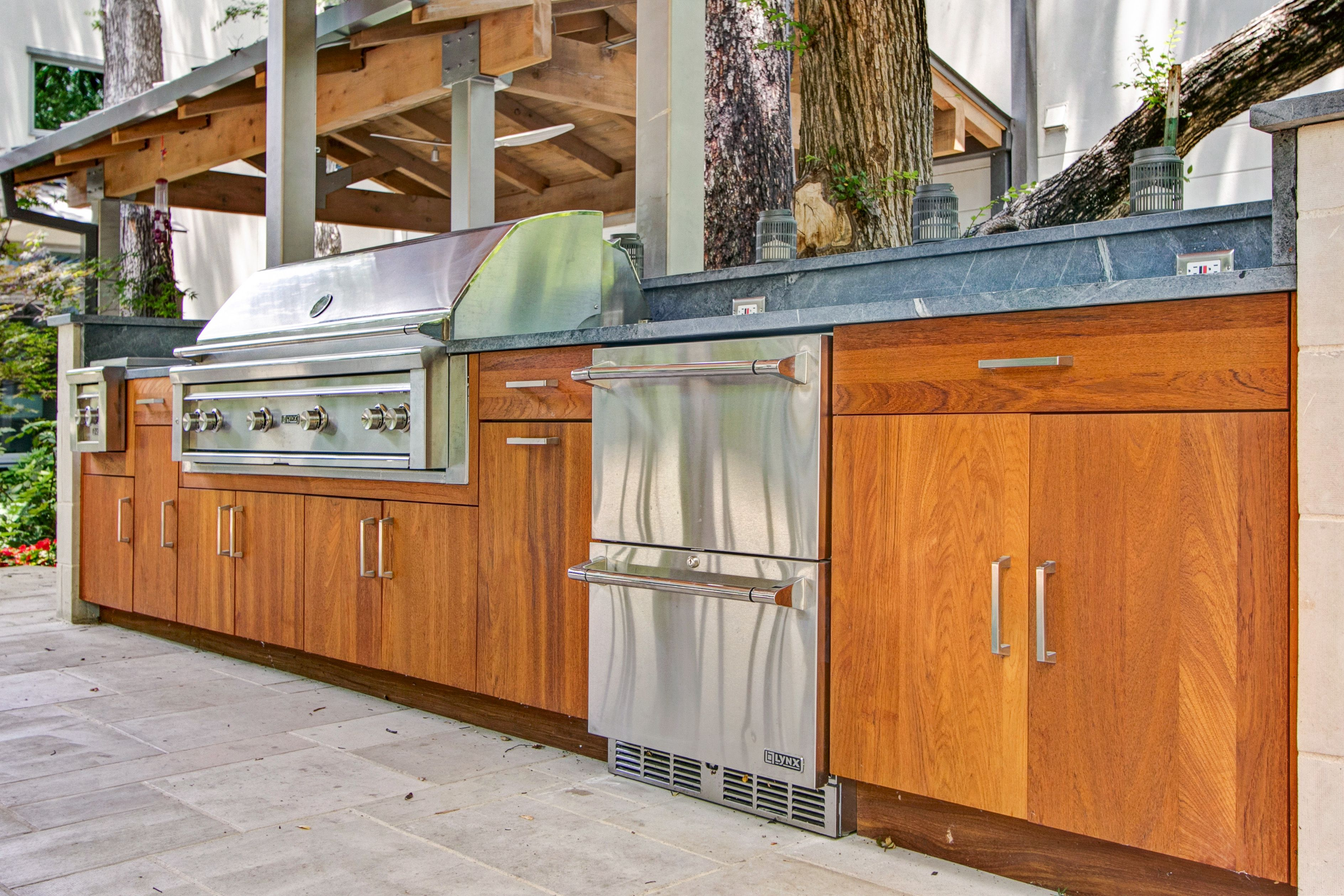 Teak Cabinets With Slab Door Lynx 54 Grill Double Side Burner And Drawer Fridge North Dallas Wildwood Outdoor Outdoor Kitchen Kitchen Kitchen Design