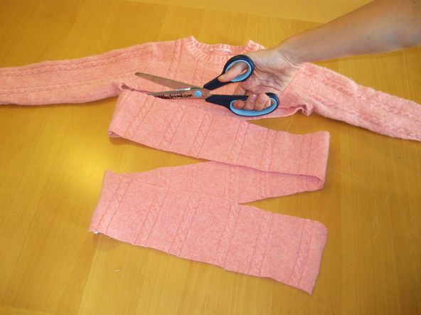 Felted Sweater Scarf diy ... http://makeprojects.com/Project/Felted-Sweater-Scarf/568/1#