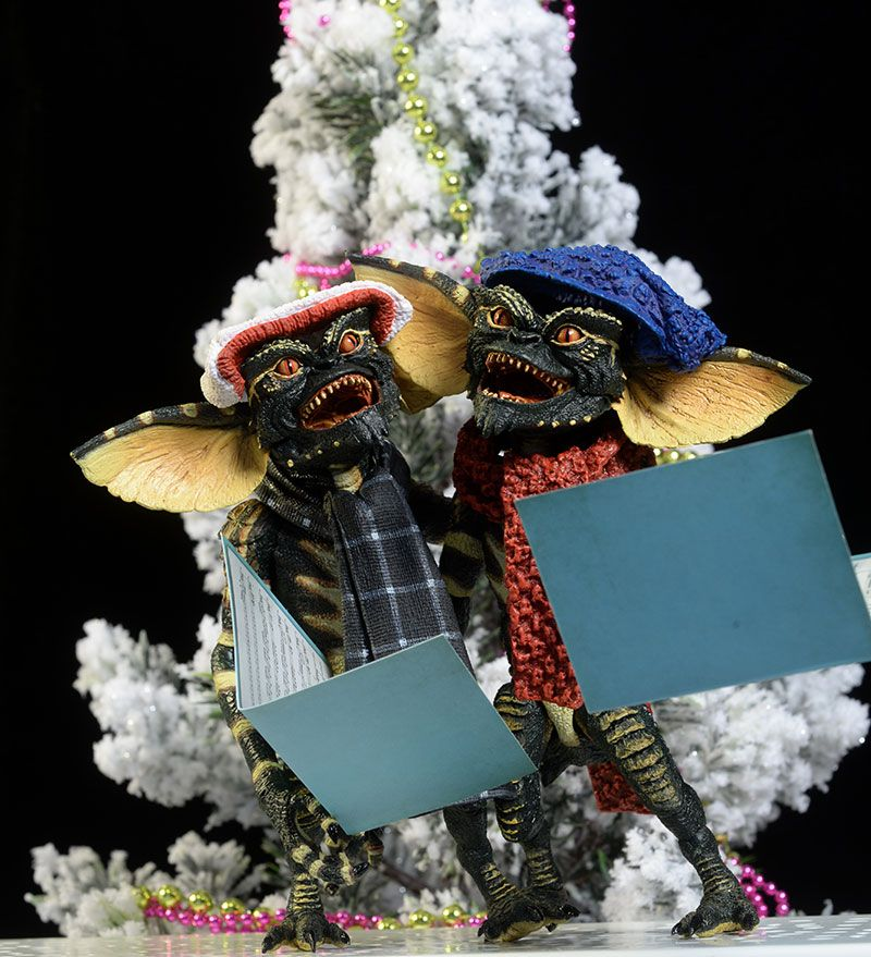 Winter Gremlins 2 pack Christmas action figures review