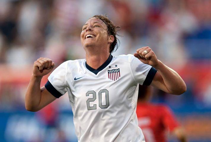 Abby Wambach breaks Mia Hamm's all-time goal scoring ...