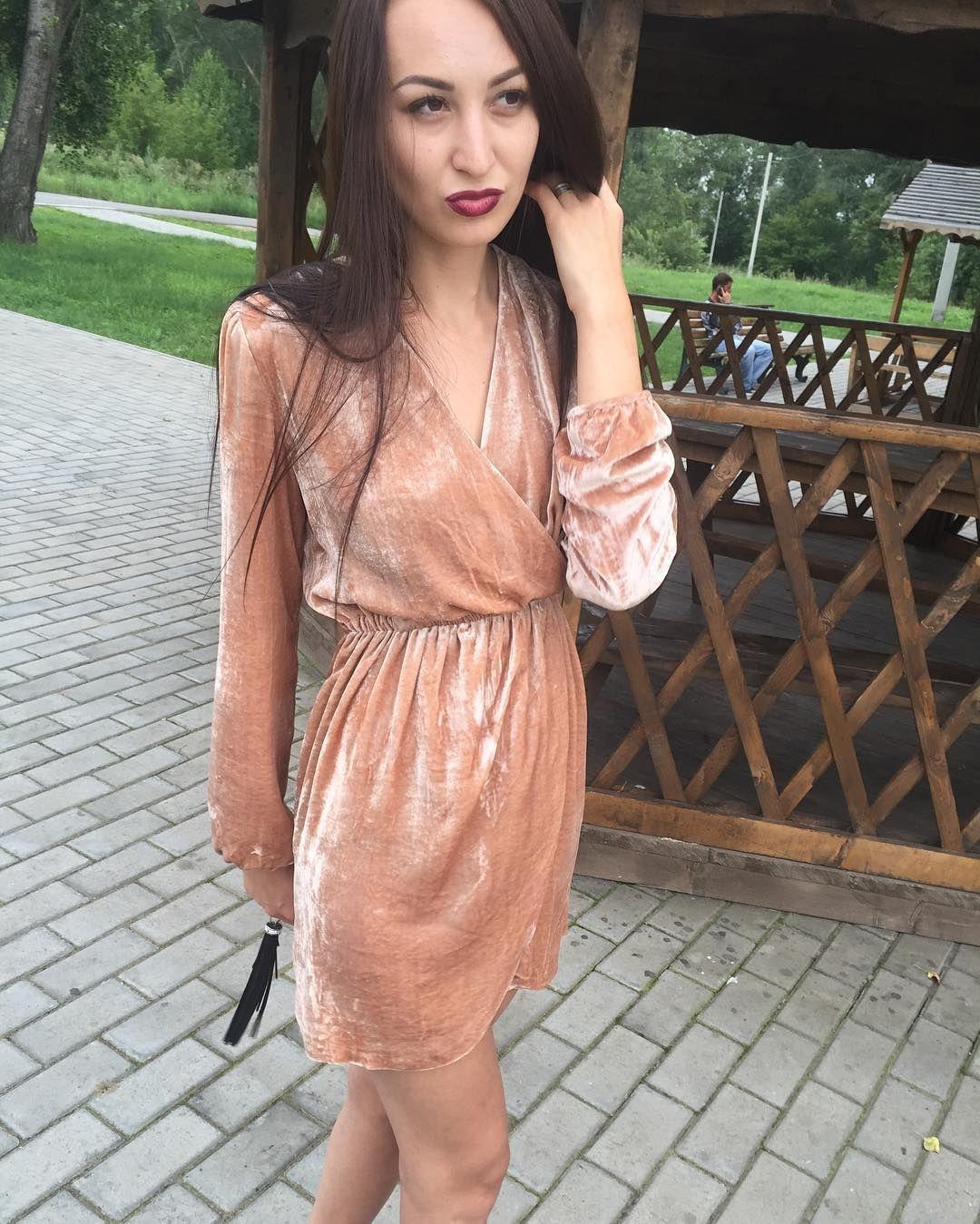c130dd97bd4 Бархатное платье  ЯiiR  осень2016  стиль  вналичии  москва  новосибирск   мода2016