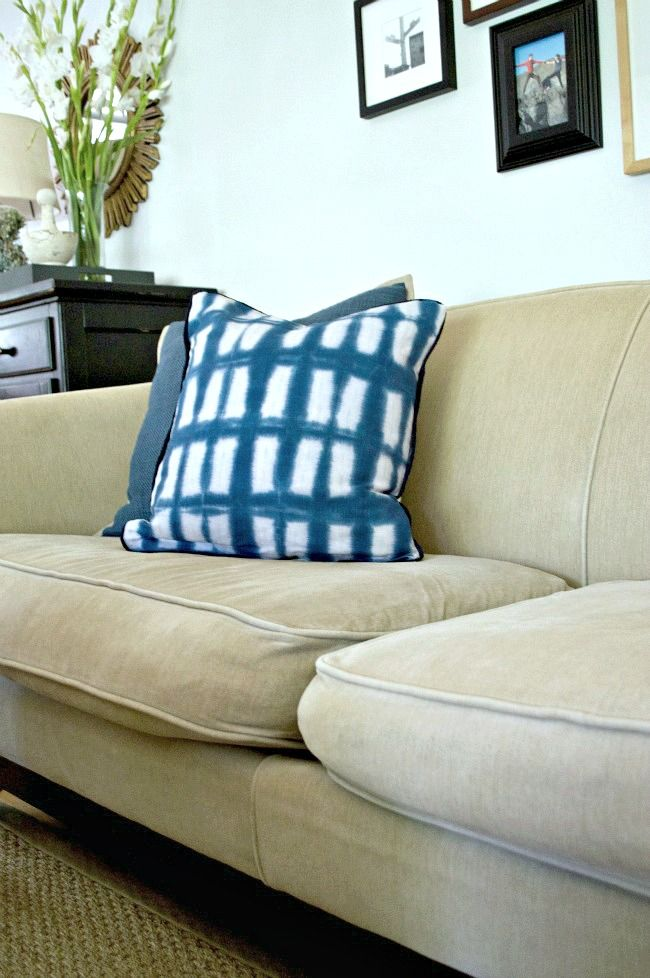 Superbe A Genius Idea To Quickly And Easily Fix Sagging Sofa Cushions With New  Foam. Chatfieldcourt.com