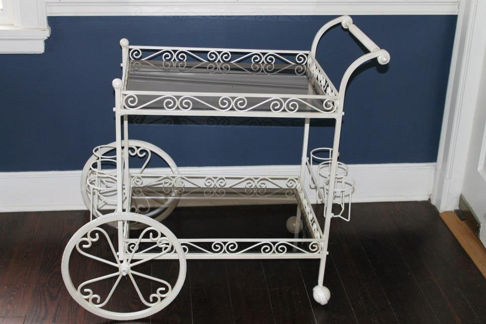 White Metal Garden Tea Cart