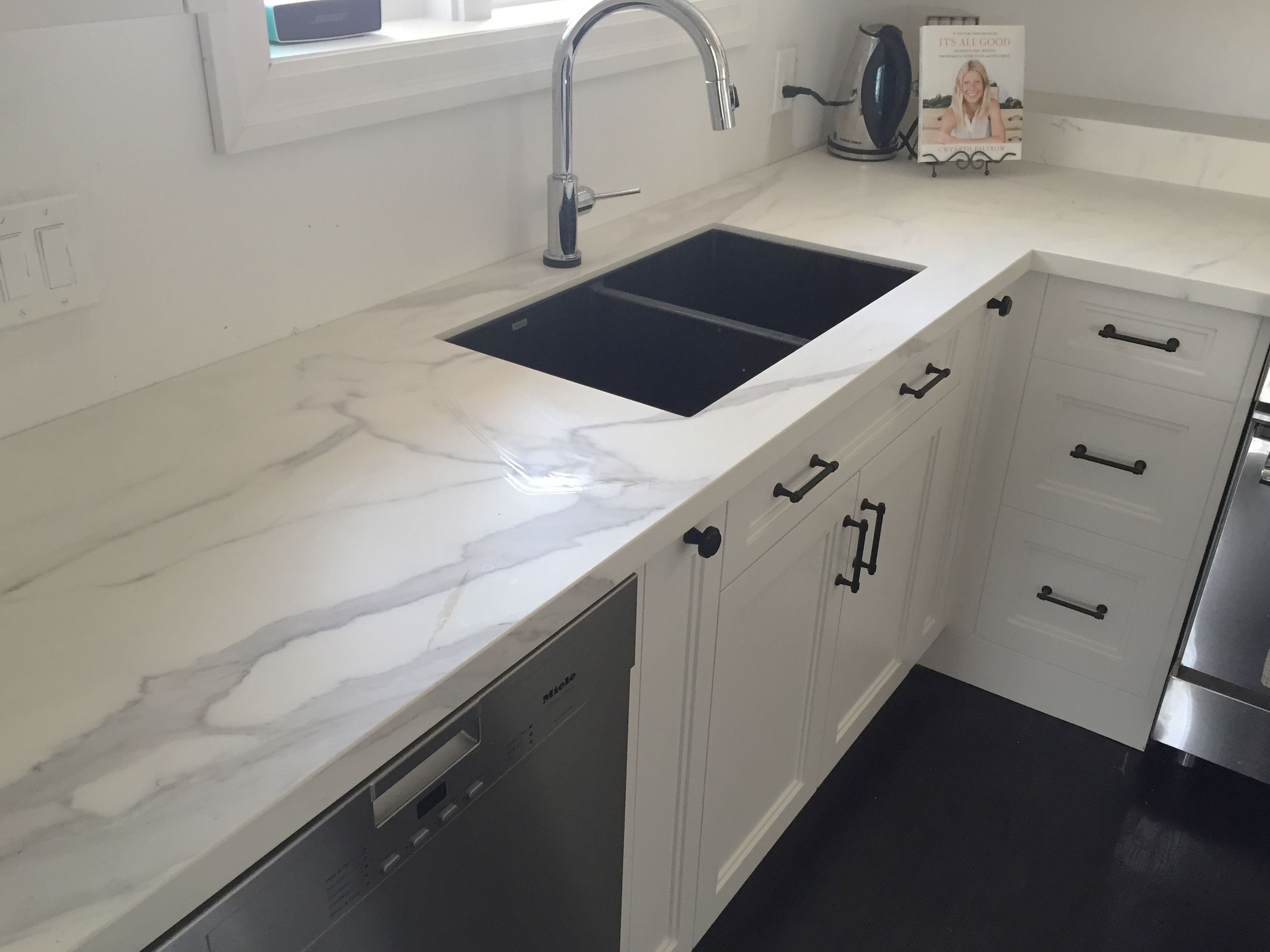 A Honed 12mm Neolith Kitchen Counter In A Statuario Marble