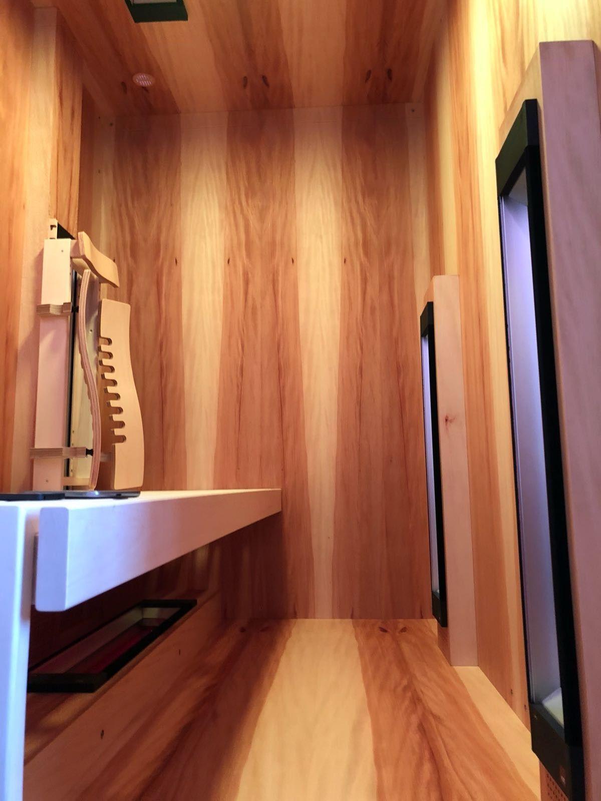 Einbau Einer Infrarotkabine Aus Kernahorn In Einem Badezimmer By Gurtner Wellness Gmbh Sauna Room Portable Sauna Traditional Saunas