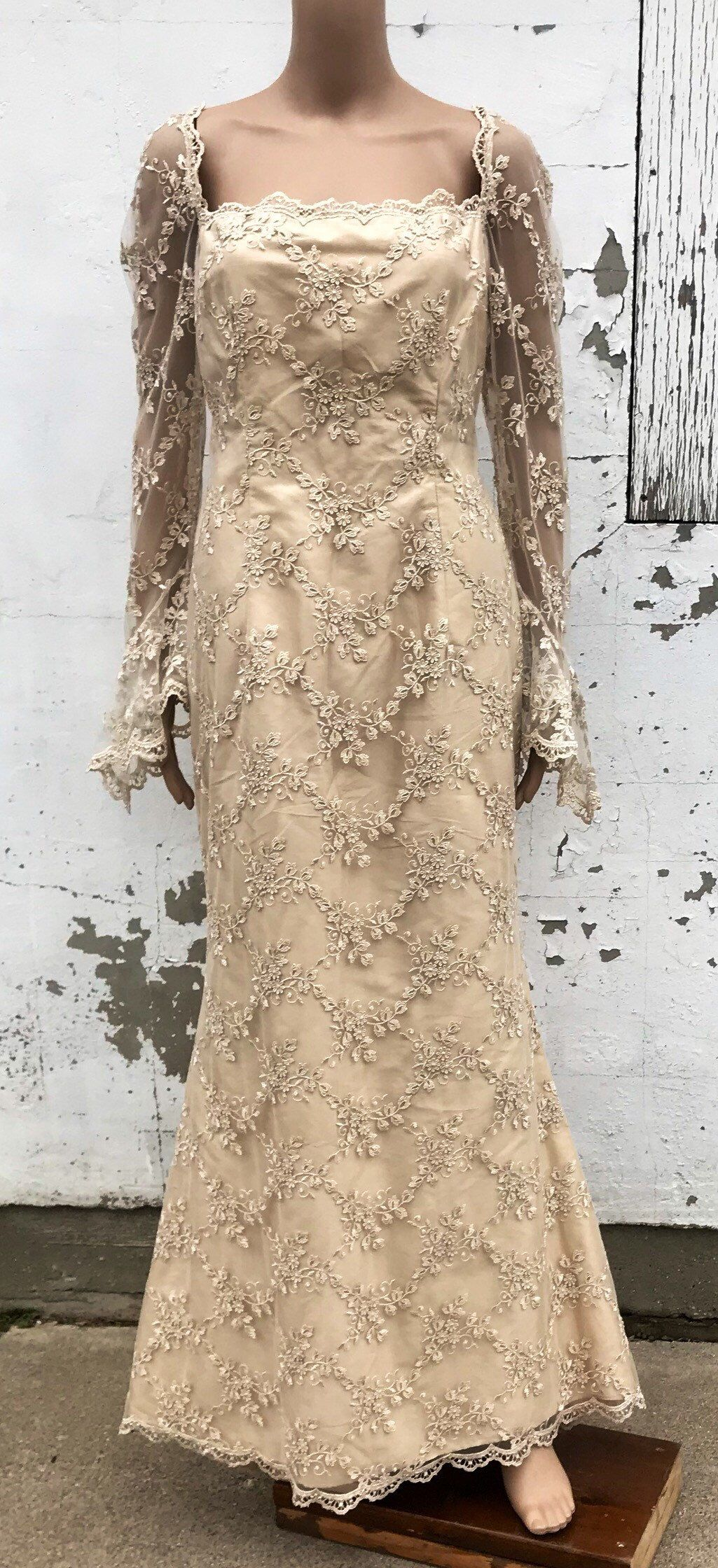 1950s style wedding dresses  Vintage Dress  Nude Ivory Lace  s Bridal Gown  Retro Wedding