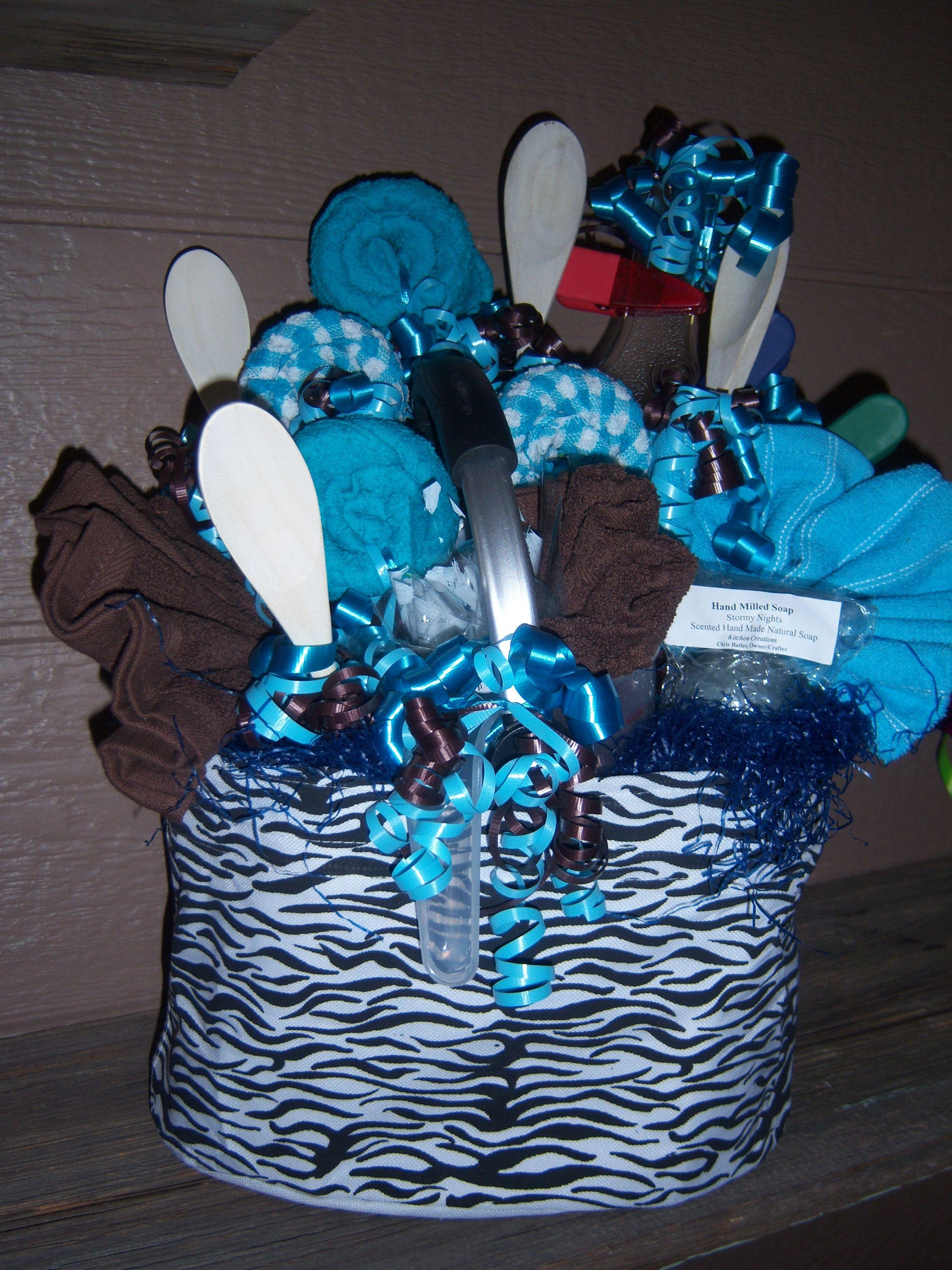 Kitchen gift basket! 4 dish rags, 4 dish cloths, small cutting board ...