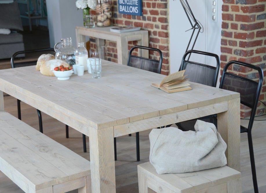 Table rectangulaire en bois pin brut intérieur et jardin Riviera vue ...