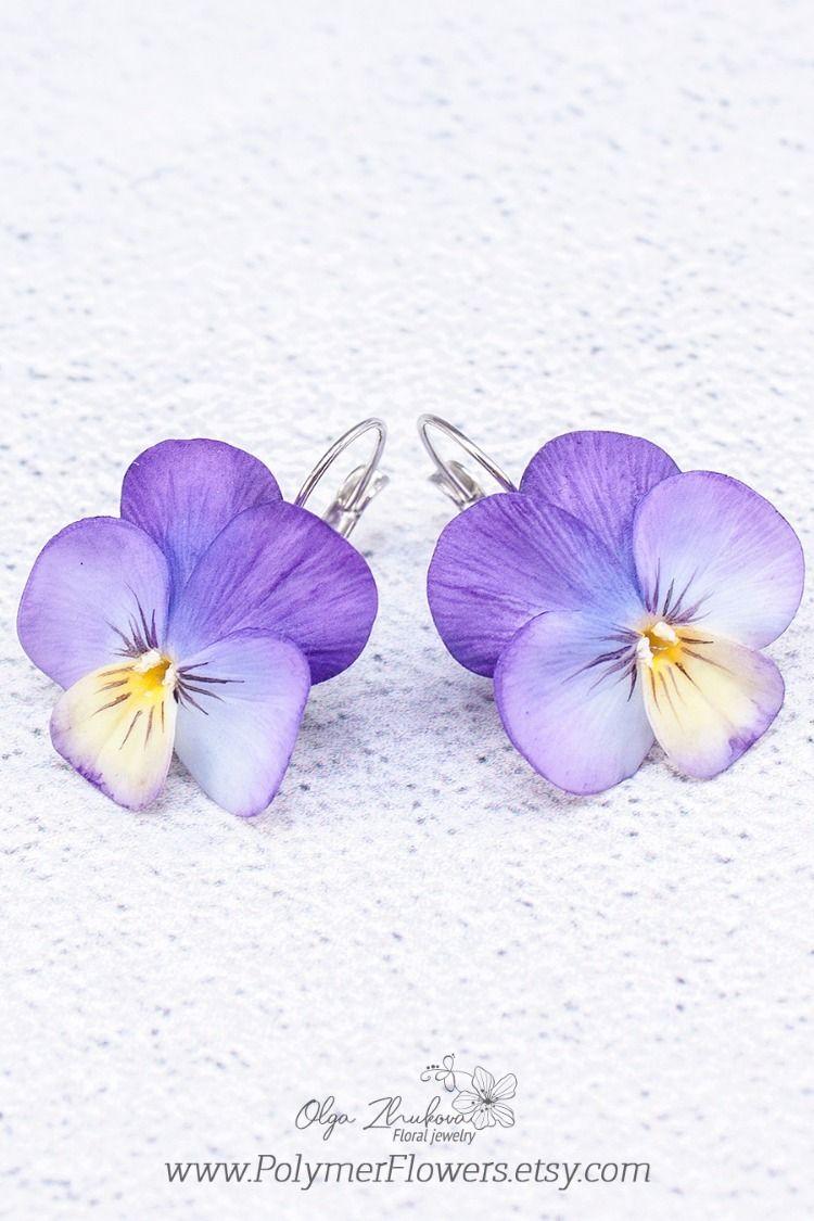 Pansy Earrings Realistic Viola Flower Earrings Purple Pansy Etsy In 2020 Pansies Flowers Viola Flower Pansies