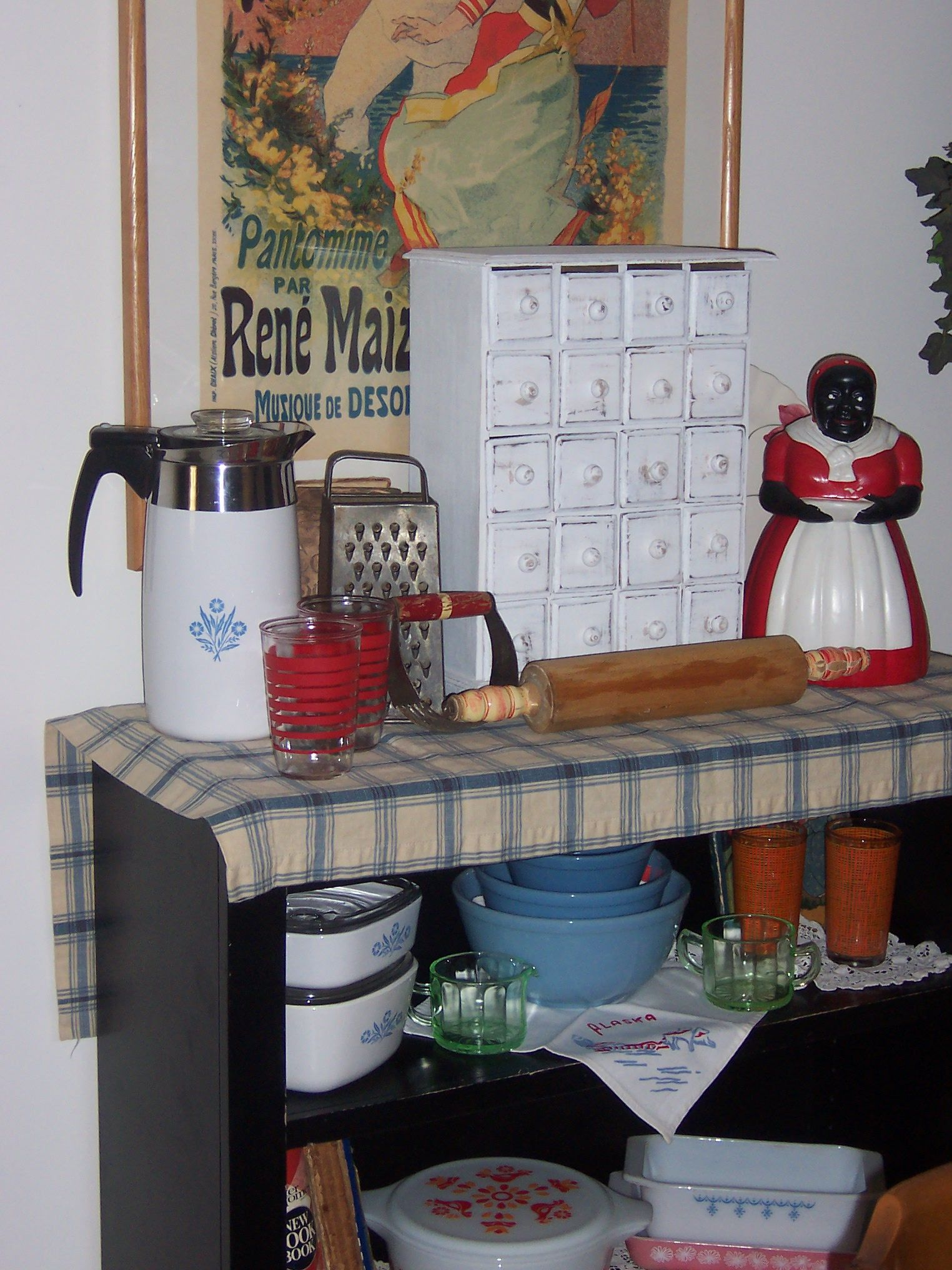 vintage pyrex and other thrift store finds