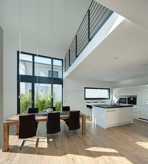 Photo of Lichtdurchflutetes Einfamilienhaus mit behaglichem Loft-Charakter   Petershaus