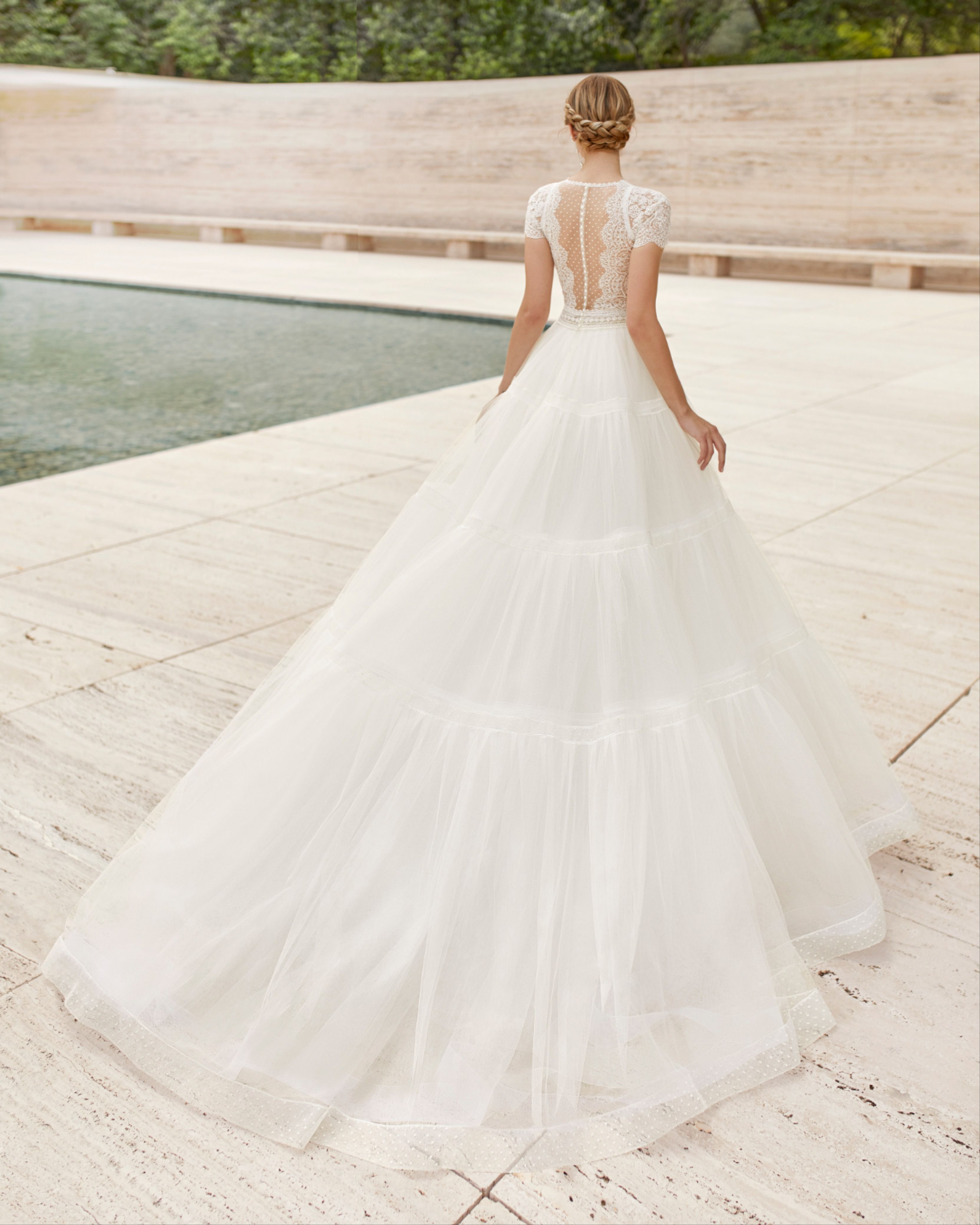 Erika By Rosa Clara Princess Style Wedding Dresses Wedding Dresses Princess Wedding Dress [ 4157 x 3326 Pixel ]