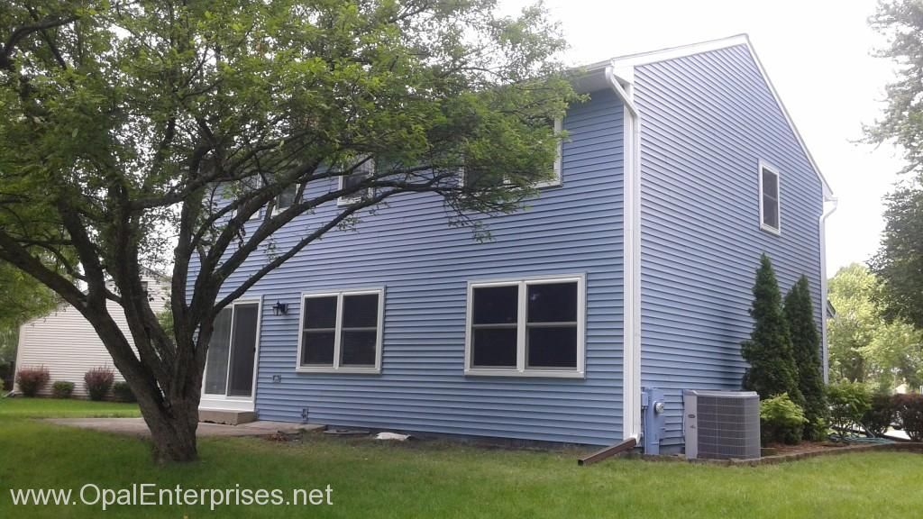 Home In Naperville With Mystic Blue Vinyl Siding Alside