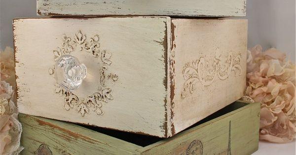 Cajas con pomos | Cajas de madera decoupage | Pinterest | Vinyls, Furniture and Stencils