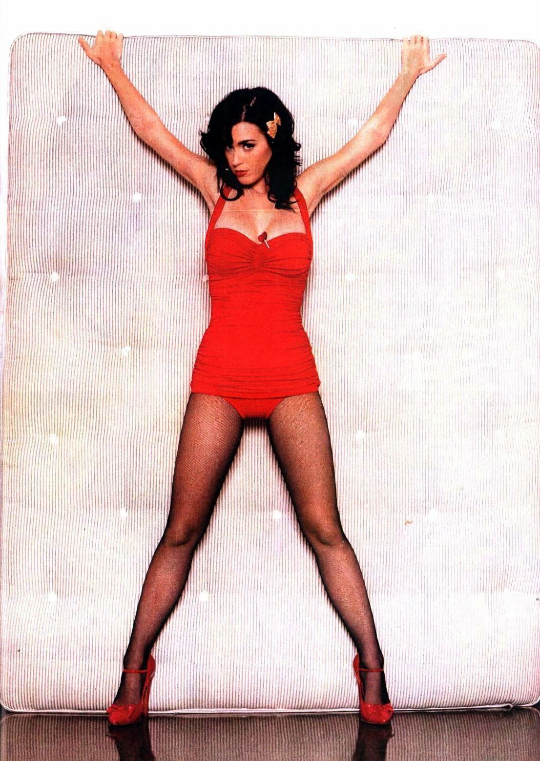 Katy Perrys Legs  Celeb Singer  Katy Perry Legs, Katy -9462