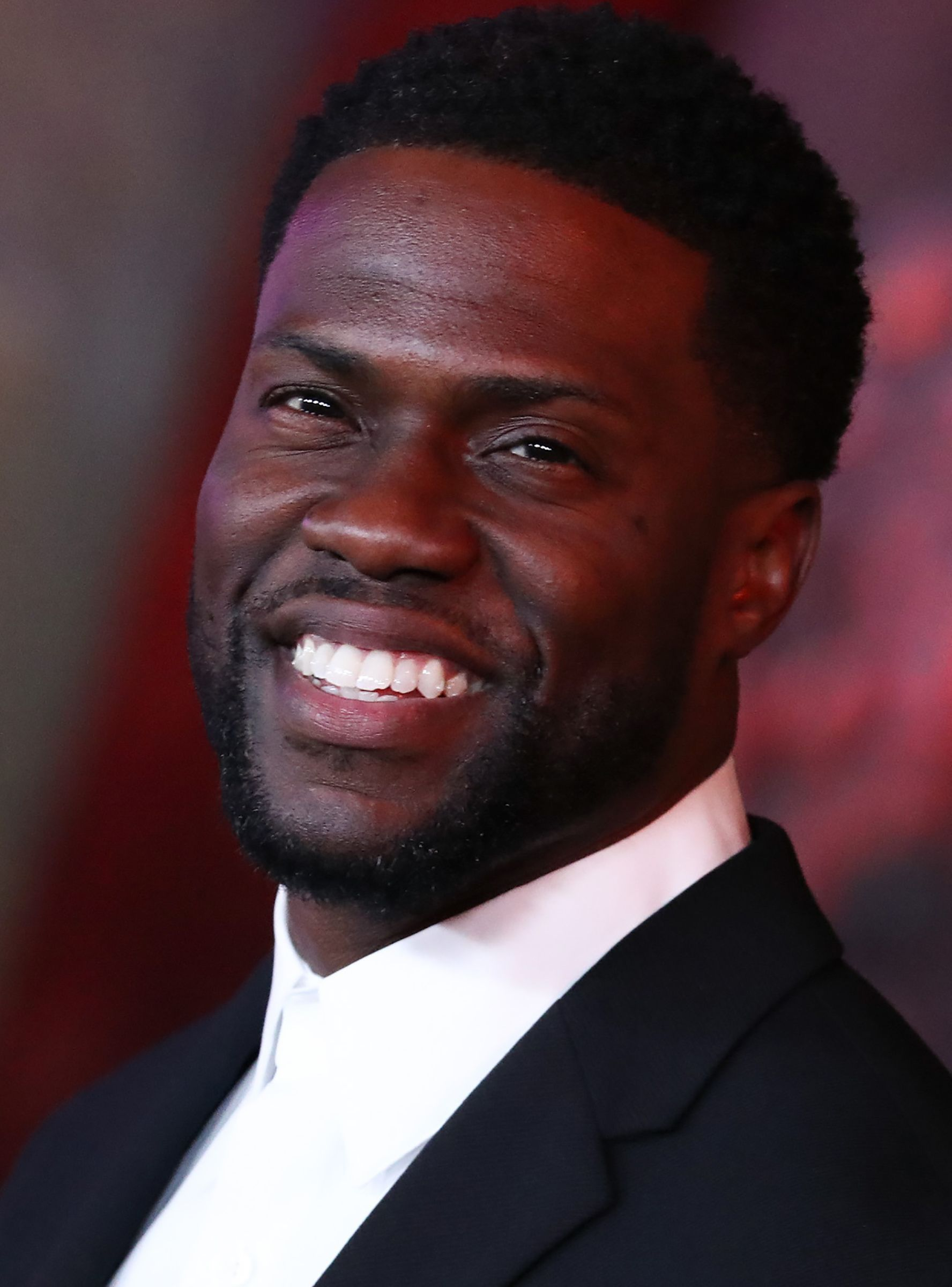 Kevin Hart Steps Down As Oscars Host In Wake Of His