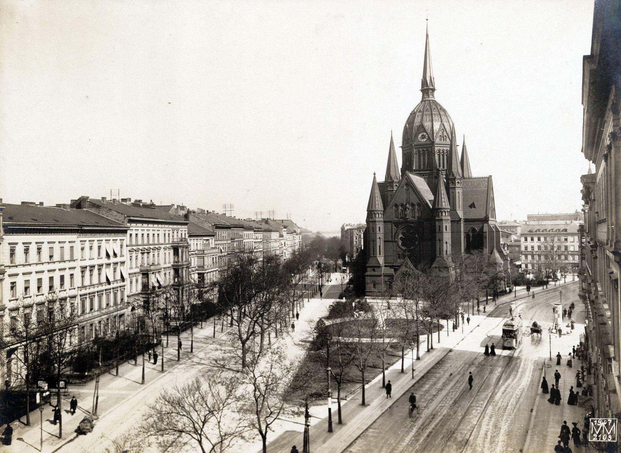 1907 Berlin Blucherstrasse Und Planufer Links Mit Blick Nach Osten Zur Heilig Kreuz Kirche Max Missmann Samm In 2020 Heilig Kreuz Kirche Kirchen Glaubensrichtungen