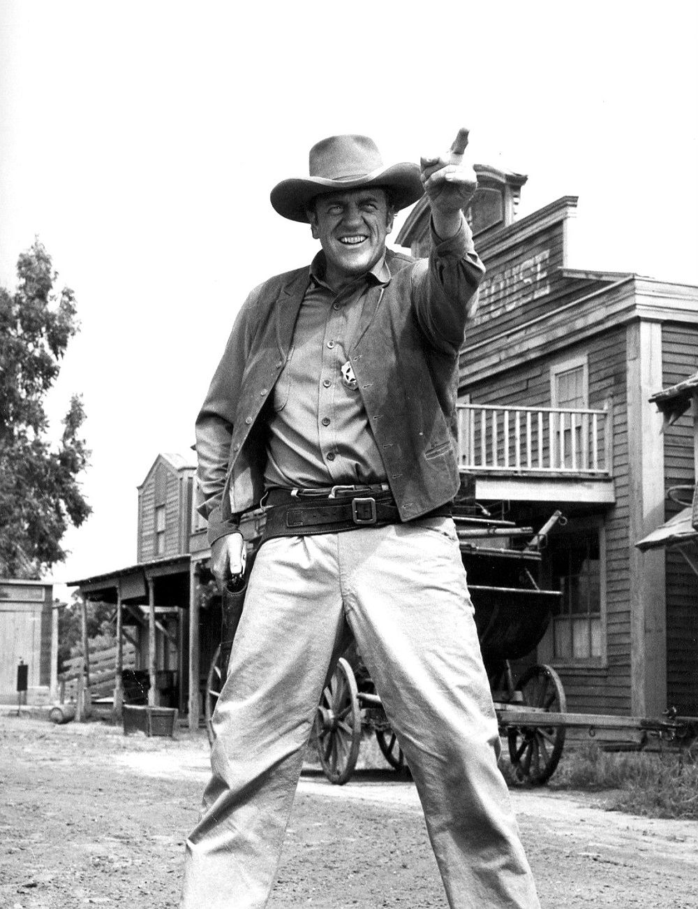 How Well Do You Know Gunsmoke Quizly Page 2 James Arness Gunsmoke Old Western Actors