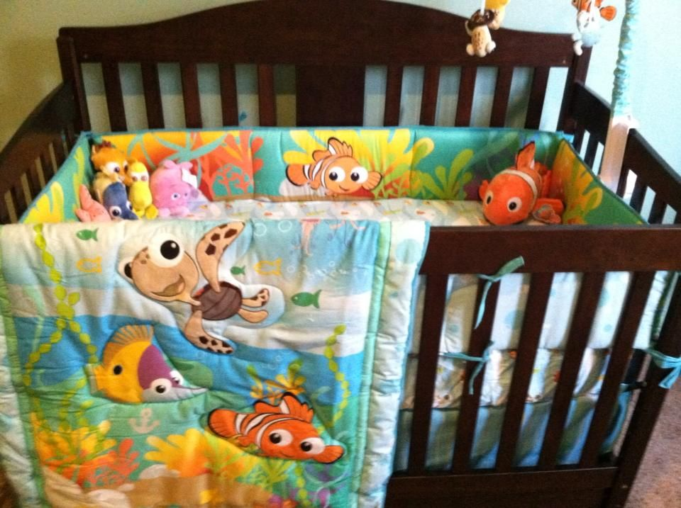 New Disney Finding Nemo 8 Piece Crib Bedding Set Limited: Nemo Themed Nursery
