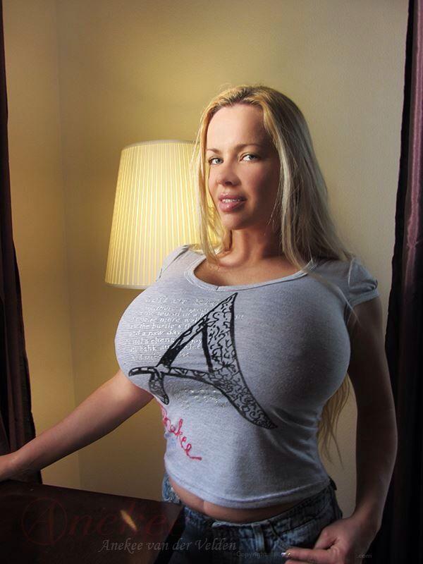 Huge boob amature