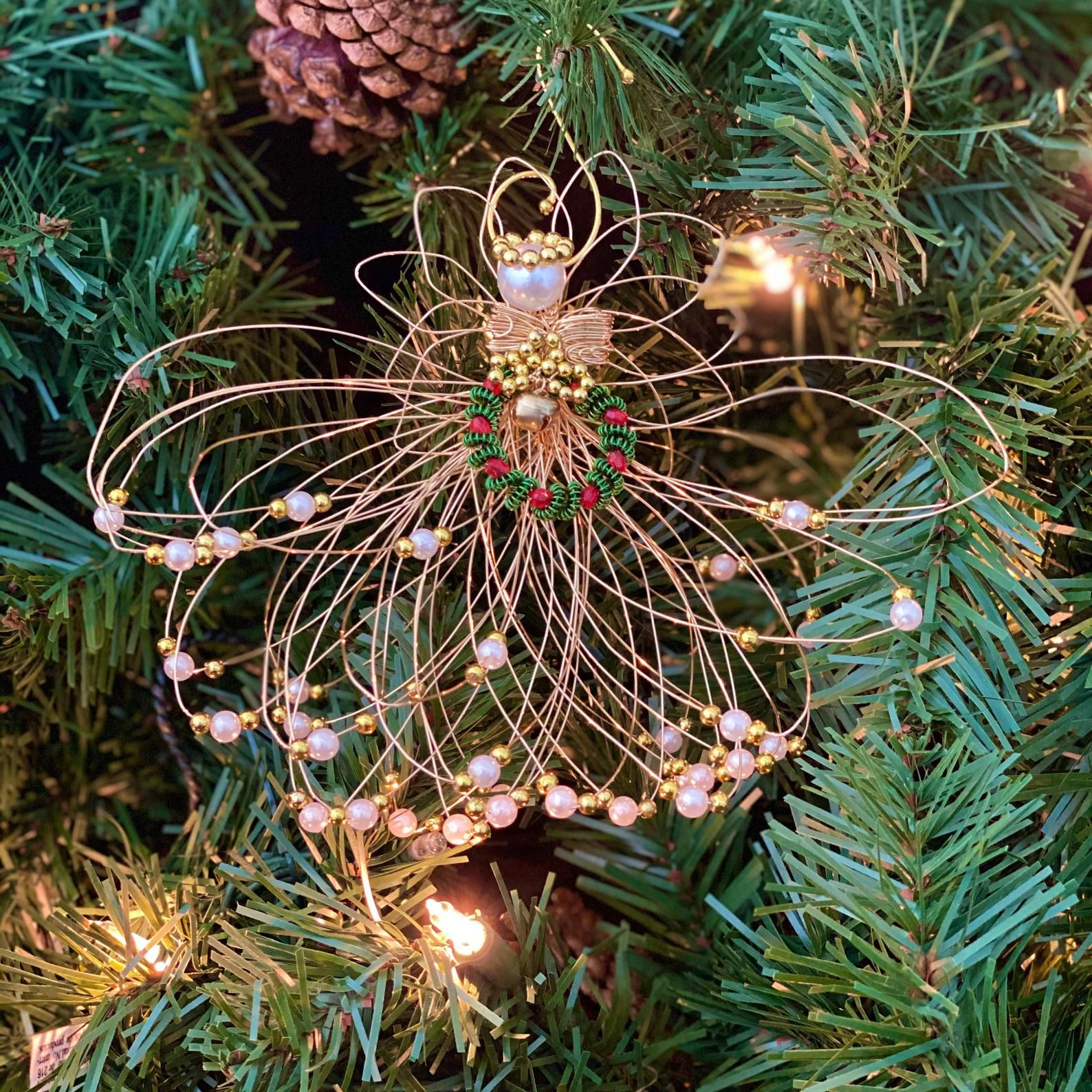 Christmas Gold Pearl Wire Angel Ornament Etsy In 2021 Angel Ornaments Christmas Angels Angel Christmas Tree Topper