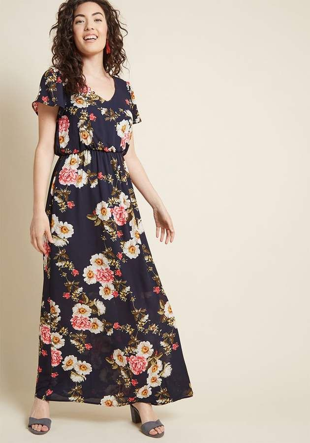 0d01c4c0fb ModCloth Test of Timelessness Floral Maxi Dress in M - Short Sleeve