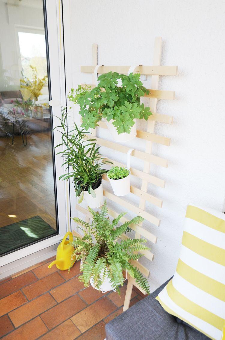 diy so baut ihr eine rankhilfe aus holz selber. Black Bedroom Furniture Sets. Home Design Ideas