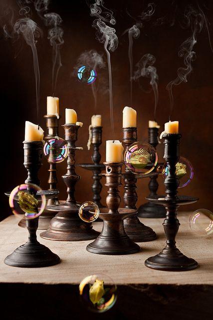 Lainaa kyntteliköitä suvulta!