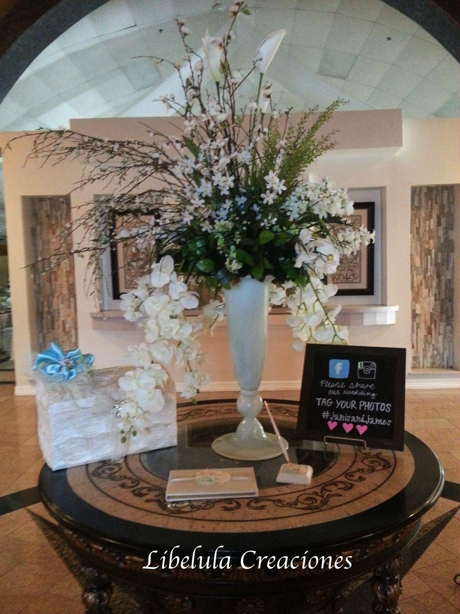 Decoracion especial para la mesa de firmas entrada al for Decoracion de salon para boda