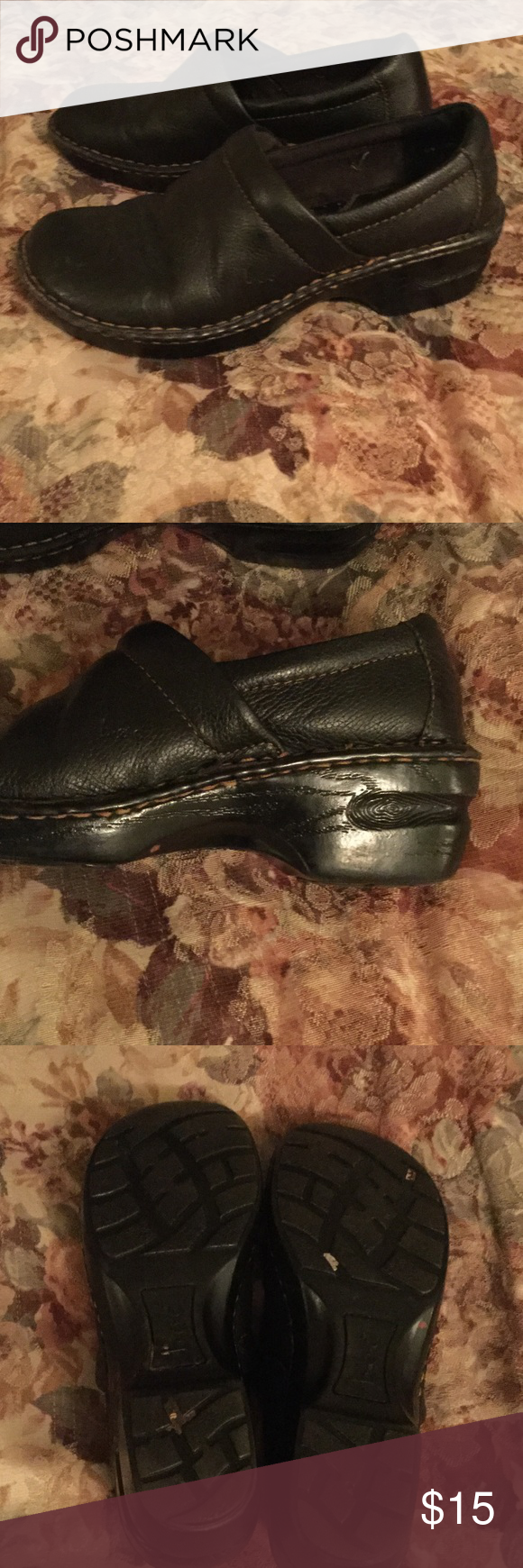 ➰Black Born Clogs➰ Great condition Born Clogs. Almost brand new. Detailed design on the heel/lift. Tiny scuffs on the toes. So comfy! Great alternative for heels!!👠 Born Shoes Mules & Clogs