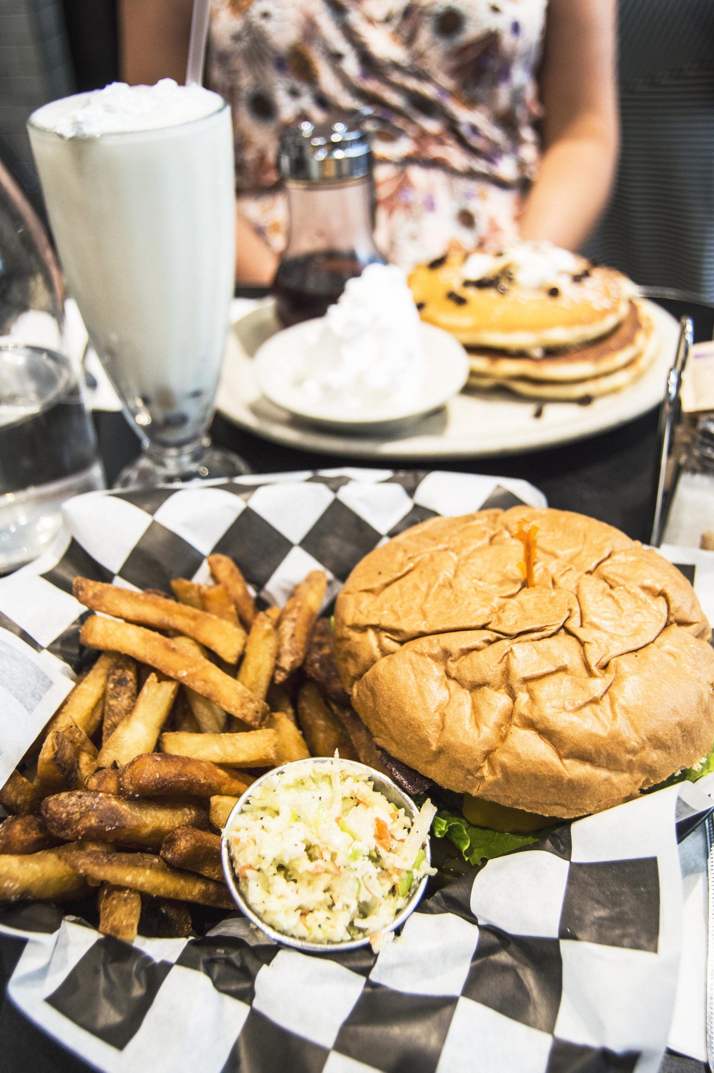 A Vegan In Nyc Part 3 Dining Out In Brooklyn This Vibrant World Vegan Restaurants Nyc Vegan Nyc Vegan Restaurants