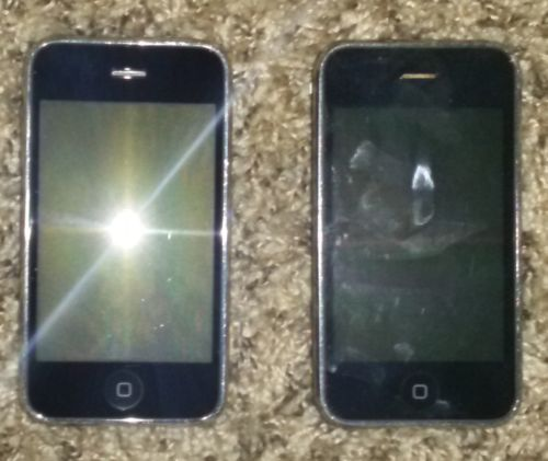 LOT OF 2 FAIR CONDITION AT&T APPLE IPHONE 3GS 8GB A1303 SMARTPHONE GSM https://t.co/DwUAnoQ8Ji https://t.co/UeTRUAm76b