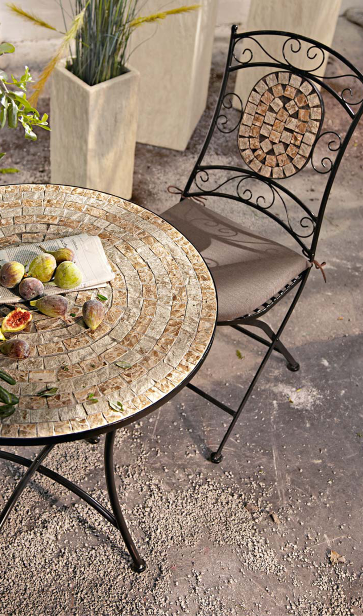 Garten Set Mit 2 Stühlen Aus Lackiertem Metall Mit Ovalem Mosaikelement
