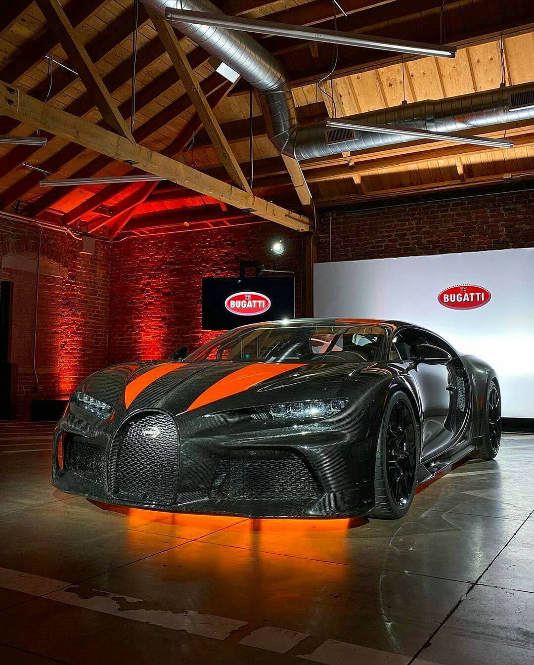 Only Bugatti Chirons On Instagram The Chiron Super Sport 300 At A Private Presentation In Los Angeles Still Unwashed And Full Bugatti Super Cars Sport Cars