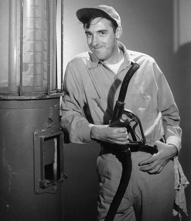 Gomer Pyle - Gas Station Attendant | The andy griffith show, Andy griffith,  Jim nabors