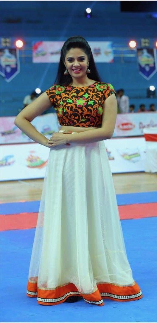 SreeMukhi | Lehangas | Traditional skirts, Dress skirt