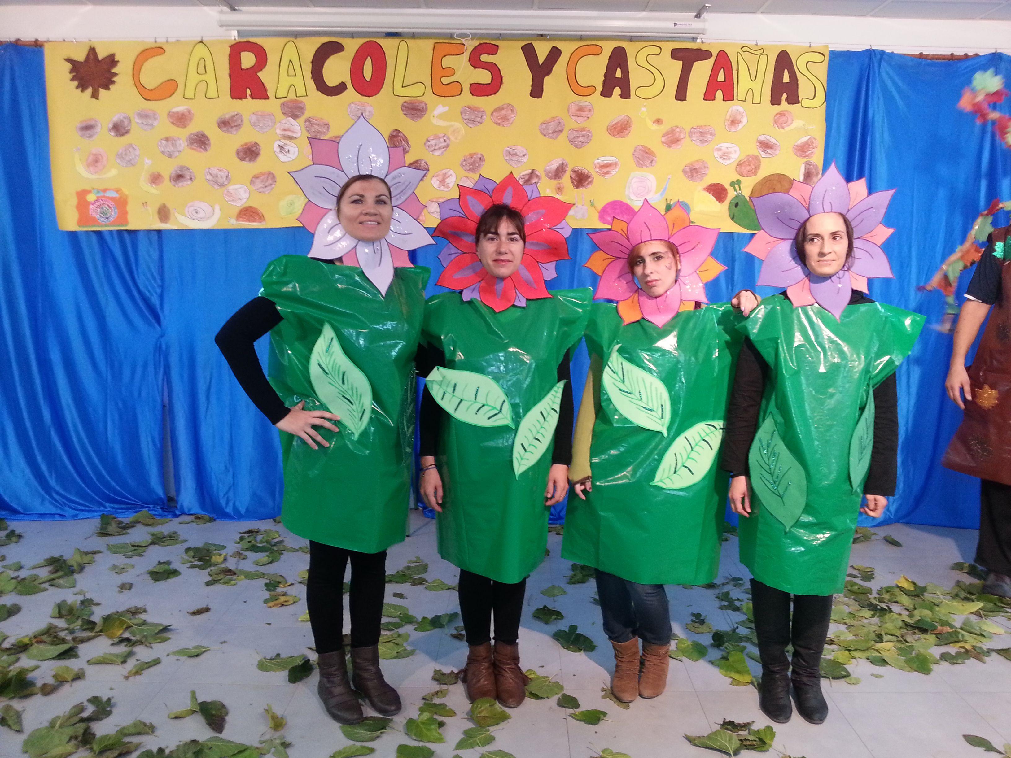 Las flores de otoño fueron unos de los personajes de la obra de teatro ¡que bonitas!