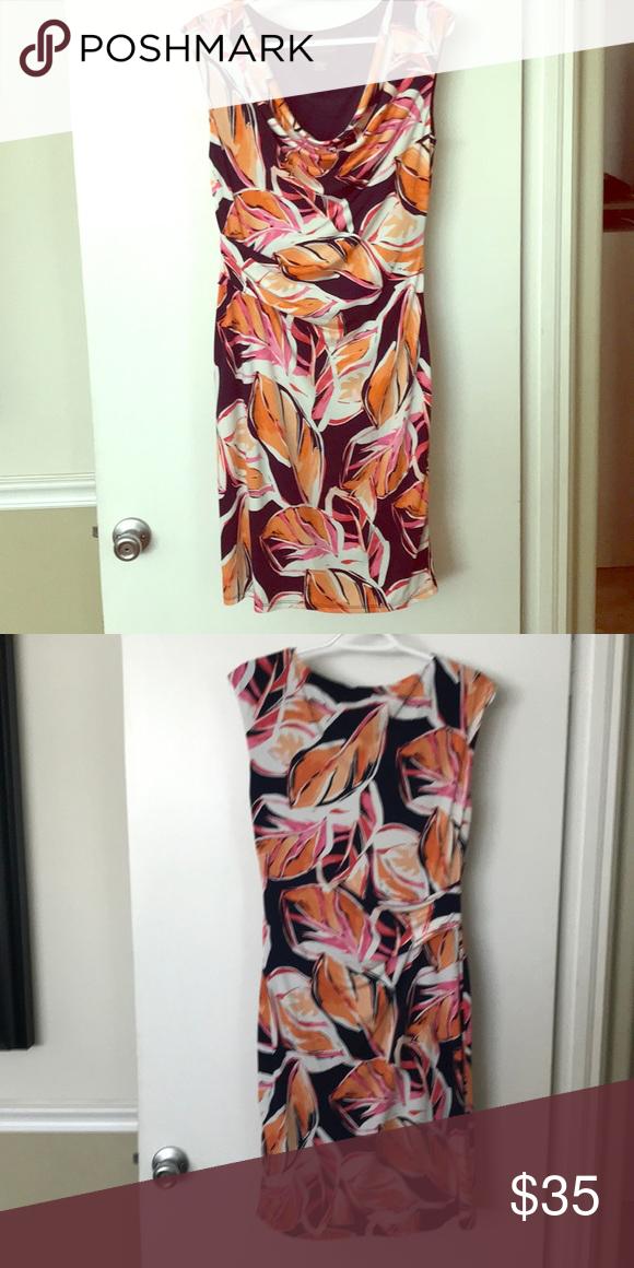 d7a2bd6d326 Jessica Howard sleeveless dress Jessica Howard stretchy sleeveless dress  with a leaf pattern in navy blue