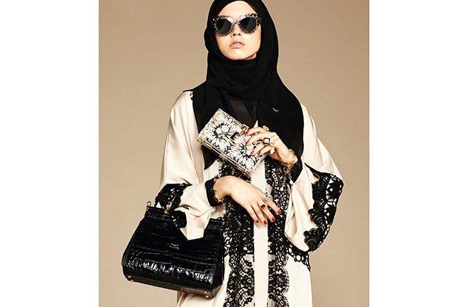 Dolce   Gabbana lança coleção de abayas e hijabs para mulheres muçulmanas »  Harper s Bazaar 5311d393b5