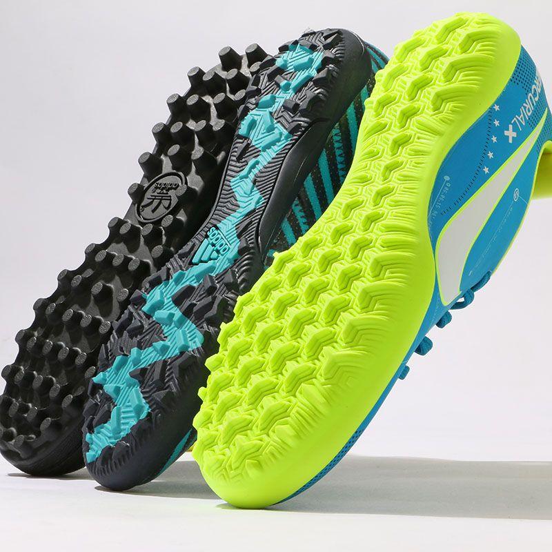 En detalle equilibrar Bienes diversos  Botas de fútbol. Suelas Turf TF. Adidas y Nike. Futbolmania. © Marcela  Sansalvador | Zapatos de futbol rapido, Botas de futbol, Zapatillas de  fútbol