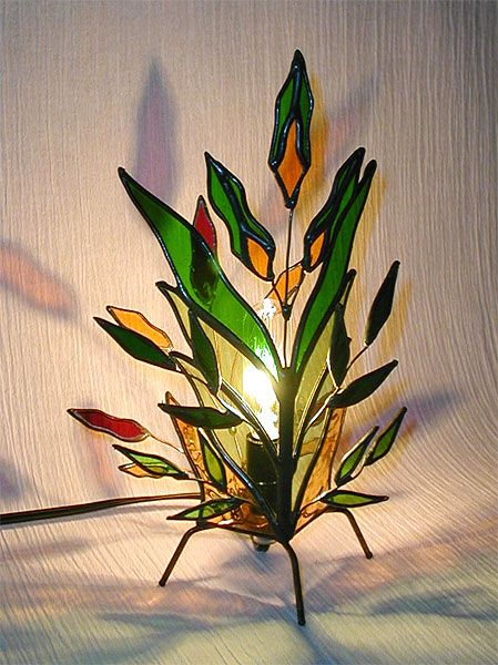 A little too much bare bulb going on with this leaf lamp, but it's pretty.