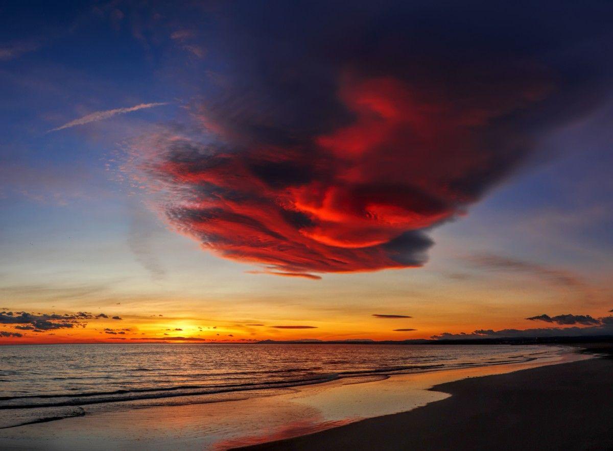 الصورة عالية الدقة المجانية لغروب الشمس والسماء والشفق والأفق والأحمر وشروق الشمس والطبيعة والغيوم والأحمر Celestial Sun Photo
