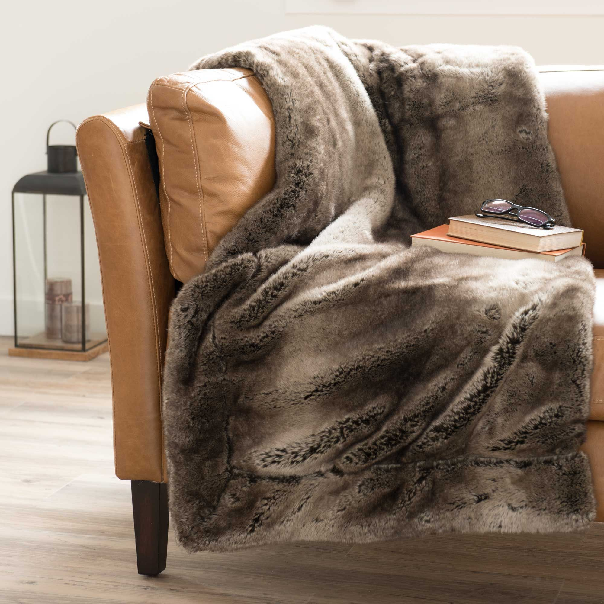 Maison Du Monde Plaid Faux Fur Blanket In Brown 150 X 180cm Lounge Ideas Faux Fur