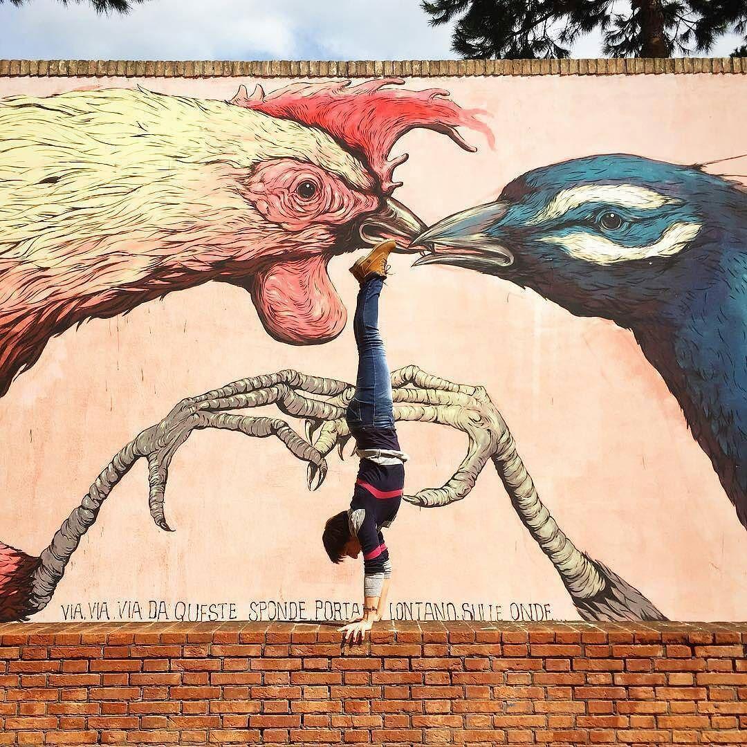 Ciao igers! Oggi ci auguriamo buon weekend con questo scatto  artistico del murales di Borgo San Giuliano. Complimenti a  @flaviadir!  #rimini #igersrimini #igersemiliaromagna #igersitalia by igersrimini