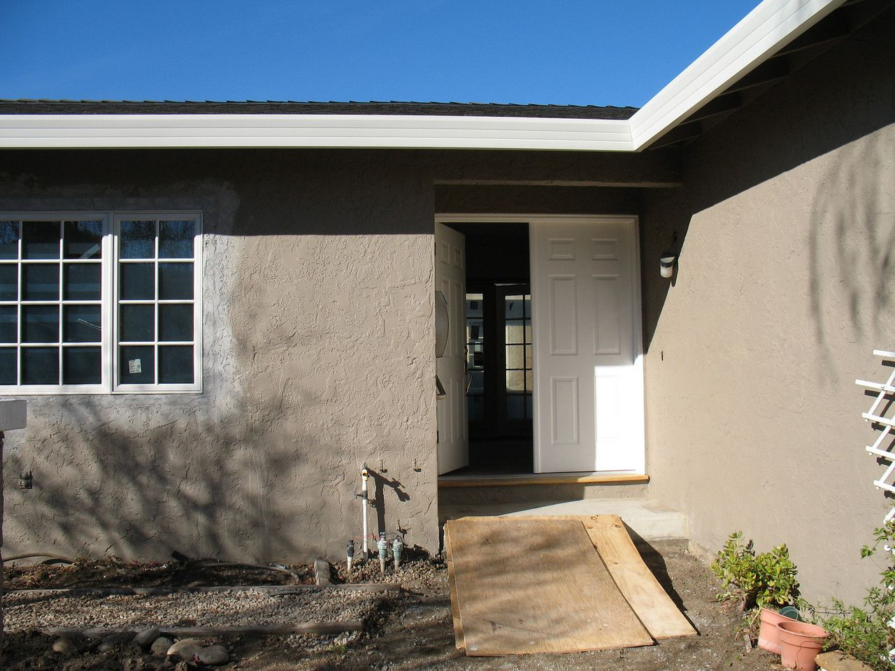 The exterior paint color is dunn edwards bison beige - Exterior primer and paint in one ...