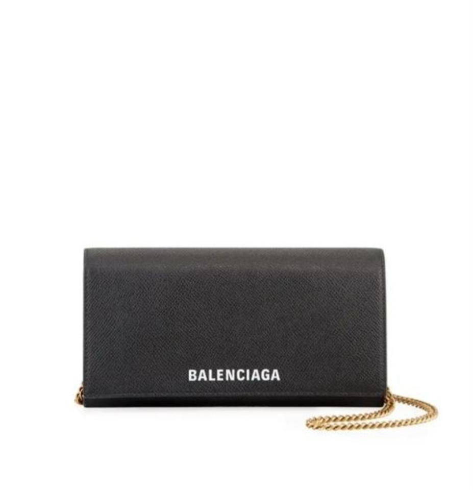 Pin By Sahra On Fashion In 2020 Black Leather Crossbody Bag Wallet On A Chain Black Leather