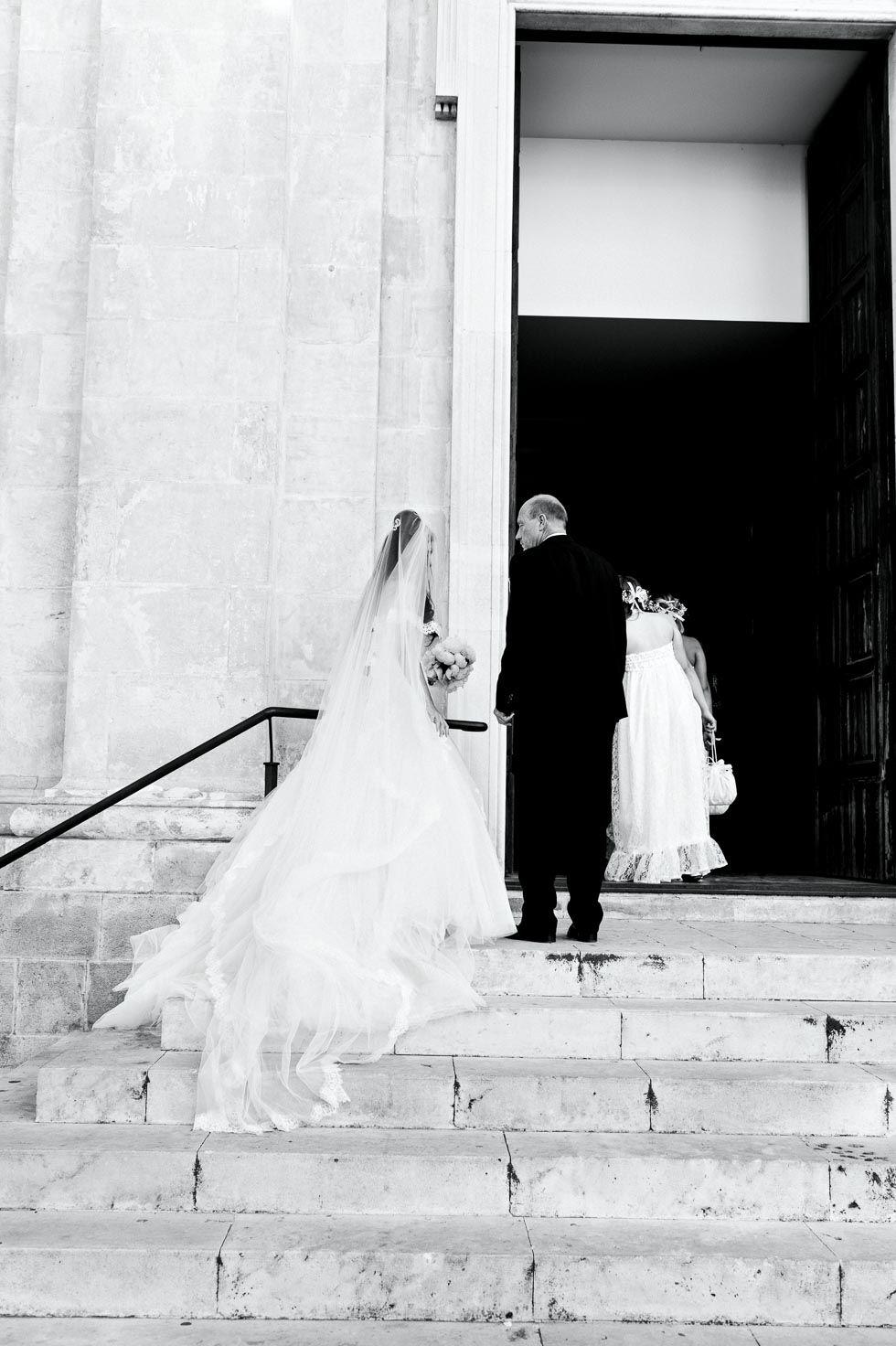 Lieder Zum Einzug Bei Der Hochzeit Fur Einen Atemberaubenden Moment Lieder Hochzeit Hochzeit Lieder Einzug Musik Hochzeit