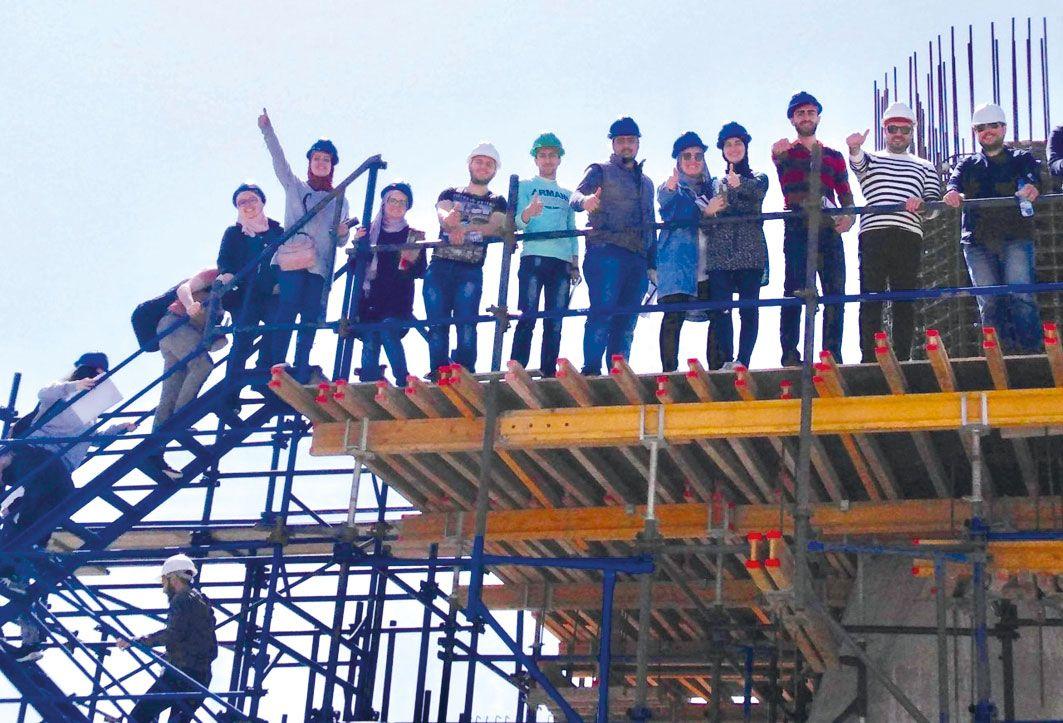جامعة المدينة City U طلاب كلية العمارة في زيارة ميدانية لمشروع هندسي قيد الإنشاء Fun Slide Fun Travel